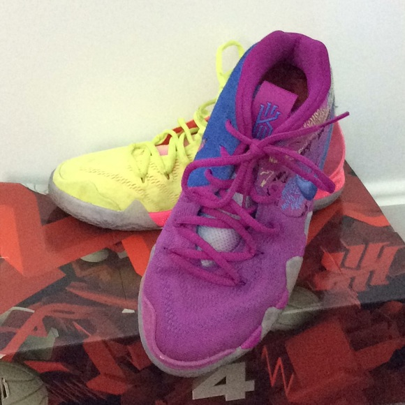 premium selection d28c2 208d4 Kyrie Irving Confetti 4 Basketball Sneakers